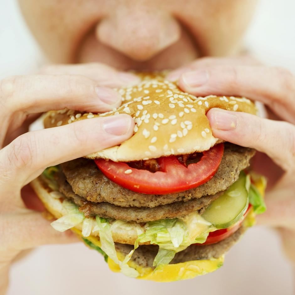 Junk food hamburger | Author: Thinkstock