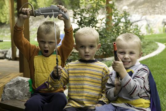 djeca, igračke, oružje, agresivnost
