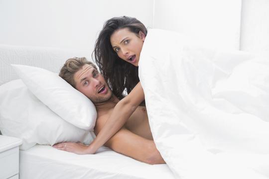 Mama uči seks tinejdžerima