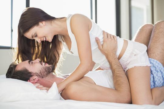 Učiniti orgazam žena analnim seksom