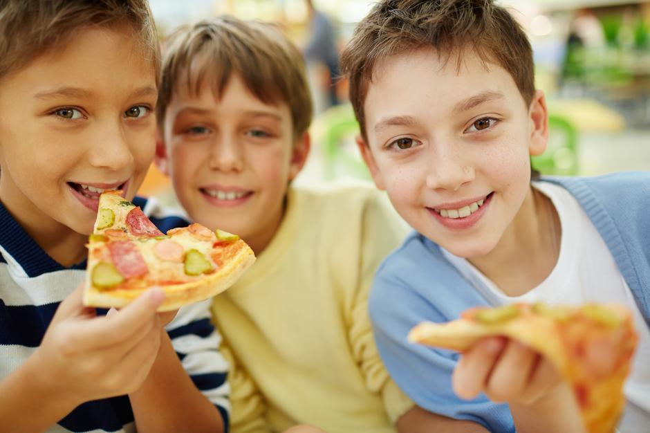 djeca, prehrana, pizza, dječaci | Author: Thinkstock